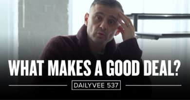 How to Advertise a Small Business | DailyVee 537